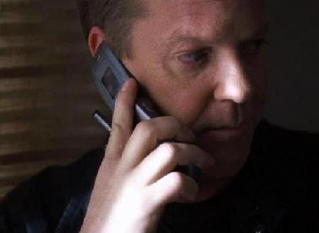 誘拐犯「手をあげろ、おとなしくマクドナルドまで連れて行くんだ」運転手「えっ?」