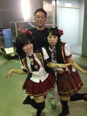 キンタロー。が前田敦子のマネで「何があっても、みぃちゃんは家族。味方だよ!」と峯岸みなみにエール