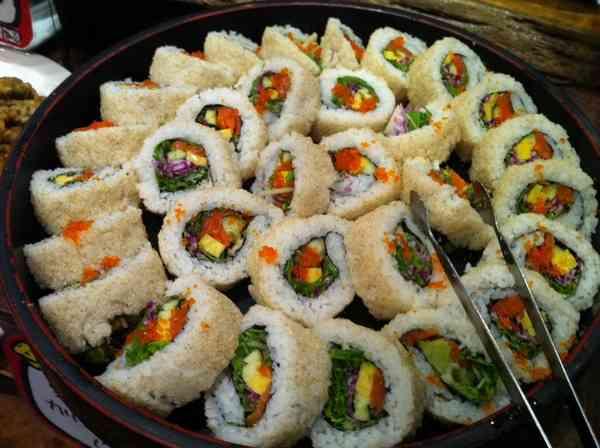 まさか!寿司1人前はハンバーガー+フライドポテトよりも高カロリー?