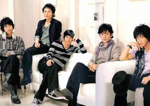 SMAP、故・三波春夫さんの代表曲「世界の国からこんにちは」をカバー
