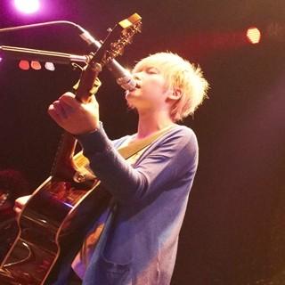 YUI、金髪ショートヘアで活動再開!4人組バンド「FLOWER FLOWER」結成