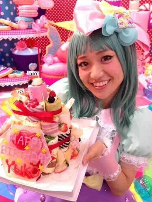 「安室奈美恵や浜崎あゆみにはなれない!?」板野友美のAKB48卒業に心配の声