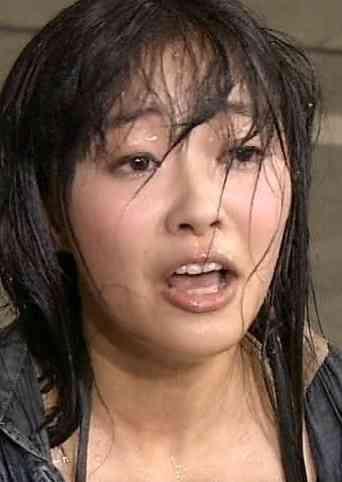 AKB48握手会の実態 会場はクサい 何十回も握手したのに「はじめまして」 障害者に嫌そうな顔をする