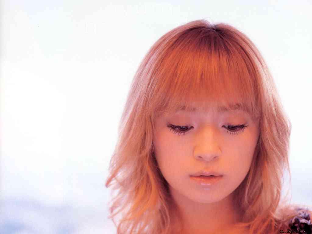 浜崎あゆみ、ツアー最終日に涙「私の15年間はみんながくれた15年間」