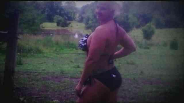 【米ミズーリ州】「ビキニが小さすぎて目障り」 プールからの退去要請に40代女性激怒!!