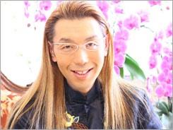 ブラッド・ピット&アンジェリーナ・ジョリー手つなぎ2ショットでレッドカーペットに登場 日本での過ごし方も明かす