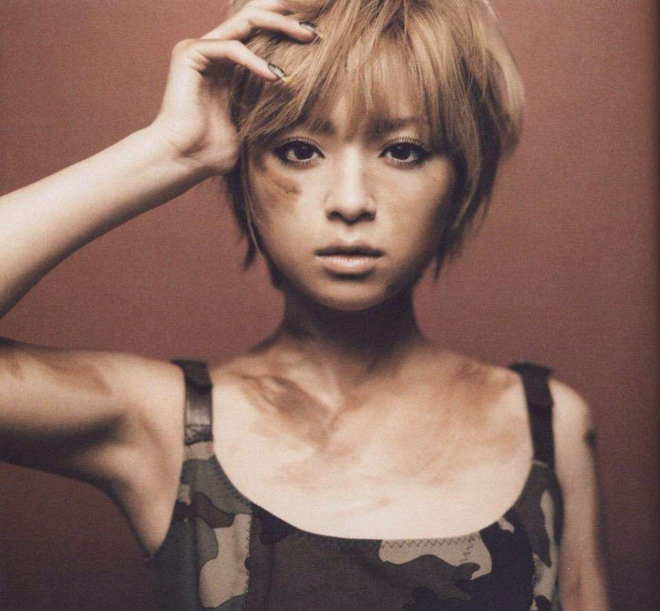 Ayumi Hamasaki - Vogue Far Away Seasons