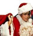 【悲報】今年は3人に2人が「ぼっちクリスマス」 恋人と過ごした経験ないも半数…