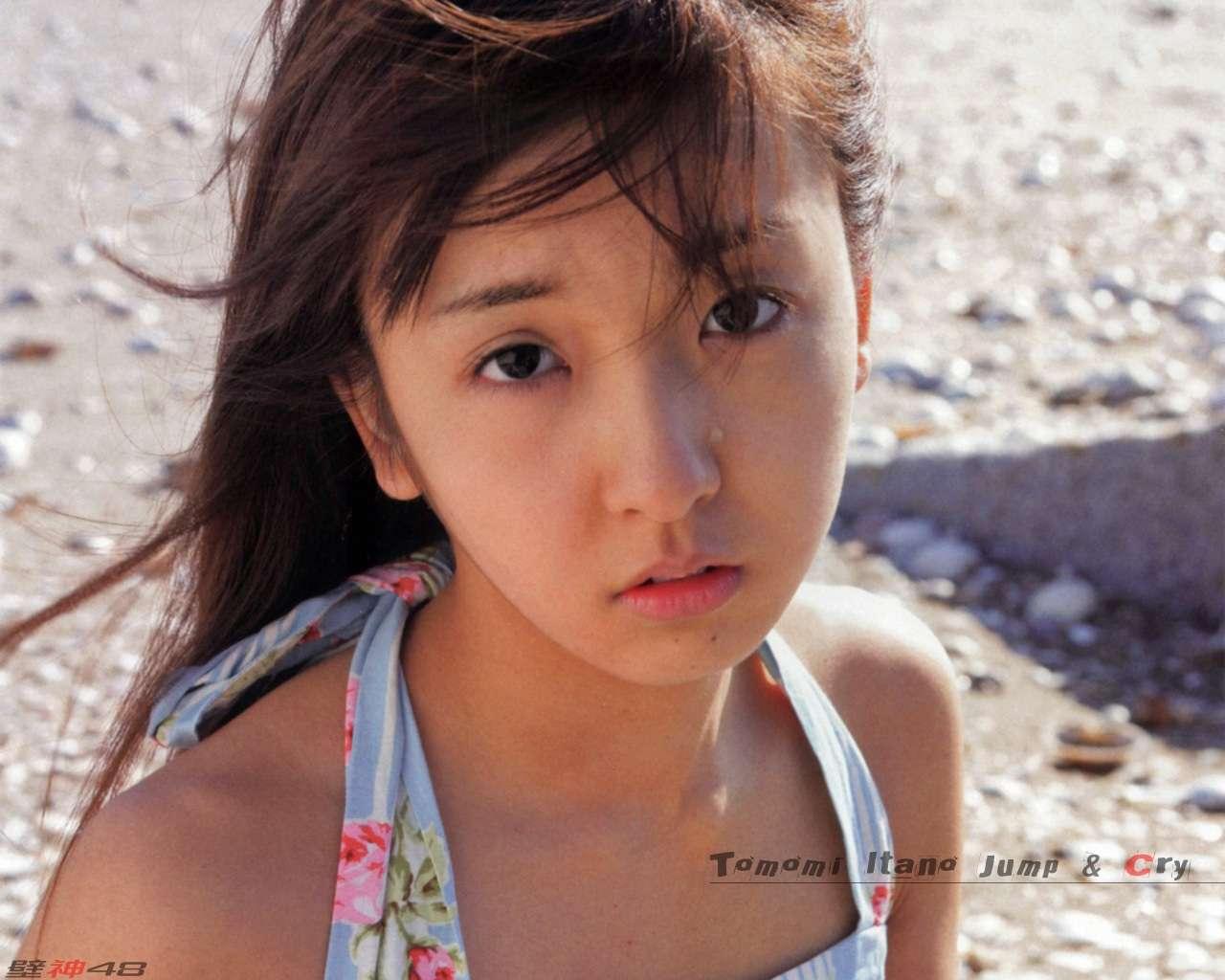 元AKB48板野友美の熱烈なファンが激怒 「とも... 元AKB48板野友美の熱烈なファンが激怒
