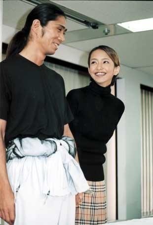 浜崎あゆみ「安室奈美恵に負けたくない」35歳の再婚にあった焦燥