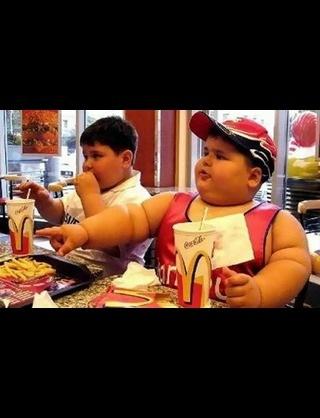 マクドナルドが従業員に「健康のためファストフードは食べないように」と助言していたとして物議