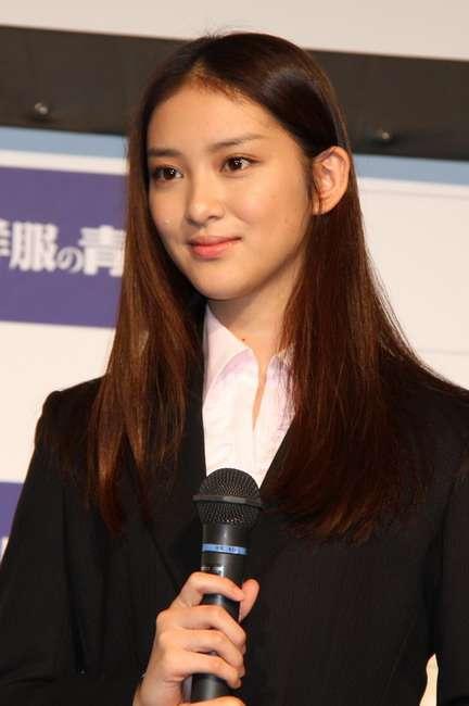 武井咲、国際的女優へ一直線「英会話と韓国語を勉強したい」
