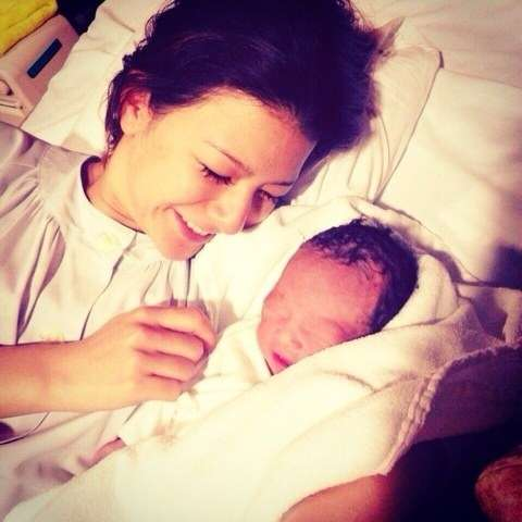 スザンヌ、第1子となる男児を出産「喜びと感動で胸がいっぱい」