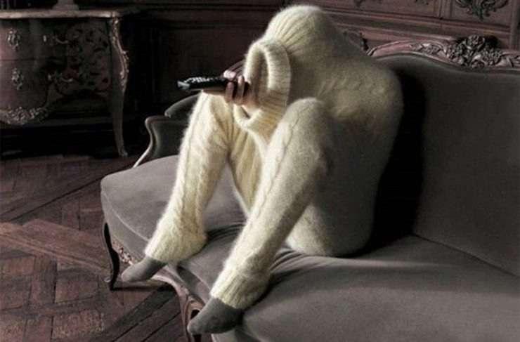たった一枚のセーターで極寒の冬を乗り切る方法が凄すぎるww