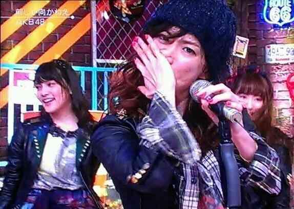 BABYMETALと『ミュージックステーション』で共演したAKB48。HKT48指原莉乃だけが「笑っていない」真相は…。