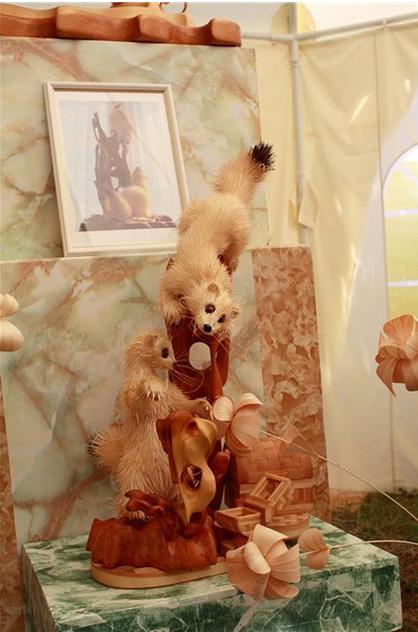 木で作った動物のクオリティがすごい!