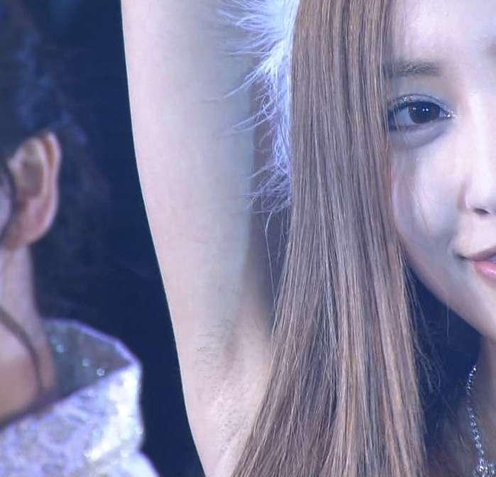 AKB48にも見捨てられ…落ち目感漂う板野友美が名刺持参で絶賛営業中!?