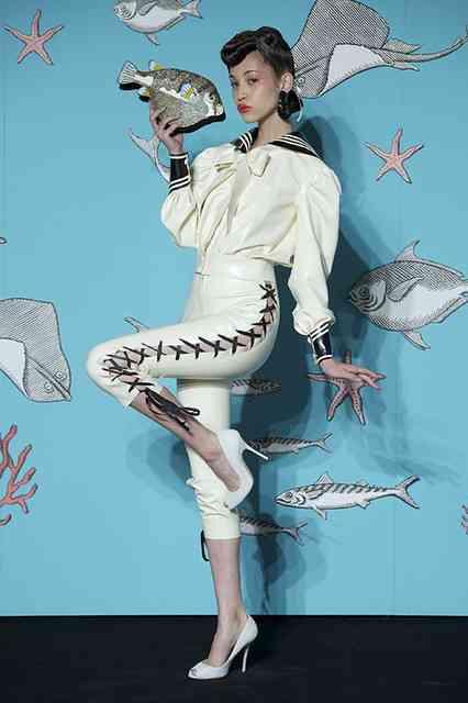 水原希子、手ブラ姿の妖艶ショット公開に絶賛の声