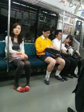 大阪で、タケコプターをつけた「のび太くん」発見報告相次ぐwww