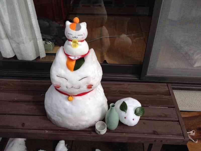 【話題】妹が作った雪ニャンコ先生
