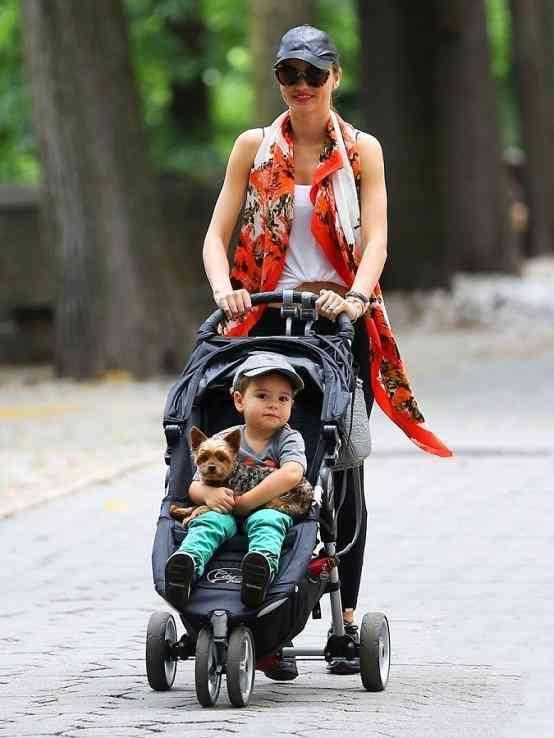 オーランド・ブルームとミランダ・カーの息子フリンくんがかわいく成長してる!