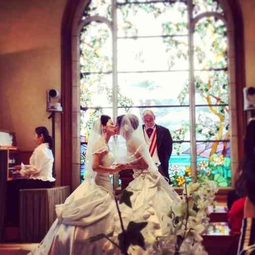 ジョディ・フォスターが同性婚、お相手は女性写真家のアレクサンドラ・ヘディソン