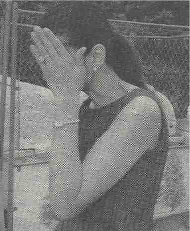 江角マキコの元マネジャーを警察が聴取 長嶋一茂2年前に「落書き」被害届