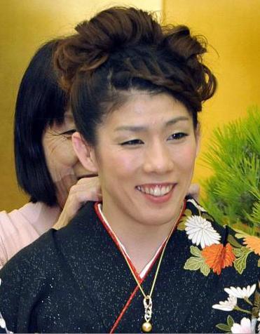 レスリング吉田沙保里15大会連続V、父の遺影に勝利ささげる