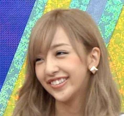 """板野友美が髪を""""秋色""""にイメチェン。「雰囲気変わるね」と好評"""