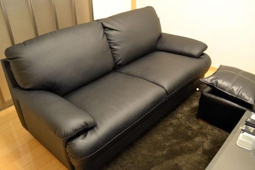 1人暮らしの方、ソファーとラグはどんなものを使ってますか?