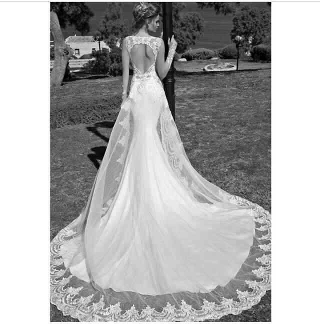 美しいドレスを貼るトピ