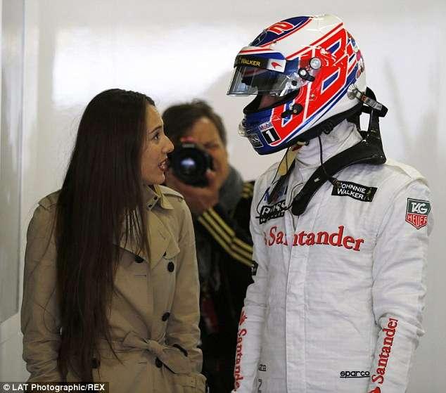 道端ジェシカ、F1レーサーのジェンソン・バトンとの結婚時期は「まだ未定」