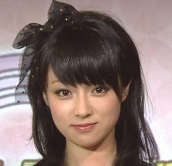 レースのリボンが可愛い深田恭子