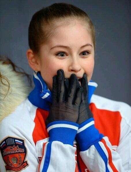 ロシア兵宣伝の女の子が「天使か妖精」みたいだと話題に