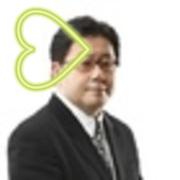 秋元康がAKB48島崎遥香とのツーショット写真を公開し反響