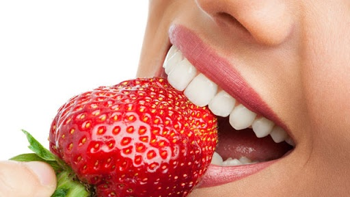 毎日磨いてもダメ!?食べると「みるみる歯が黄ばむ」要注意食材