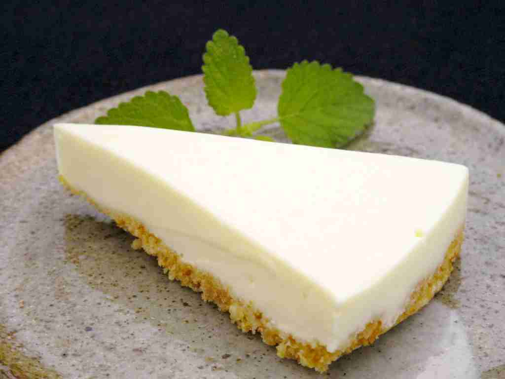 ハッピーターン「レアチーズケーキ味」期間限定で発売 チーズとレモンで爽やかな味わいに