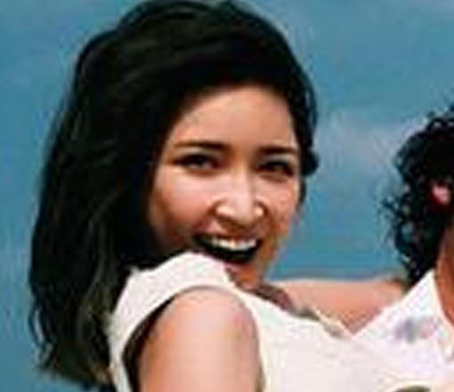 """紗栄子が""""お姫様抱っこ""""されて大はしゃぎ。「素敵な写真」に女性ファンが胸キュン。"""