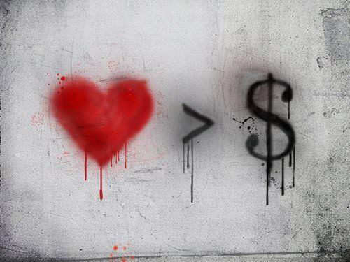 お金より大切なモノってなんだと思いますか?