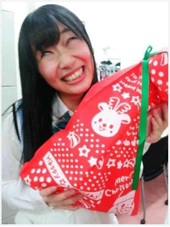 """NMB48山本彩の強烈な""""変顔""""に反響「なんちゅー顔」「かわいいなぁ」。"""