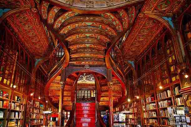 「本のネット購入」利用者は40代が最多、10代は意外にもリアル書店が好きなことが判明!