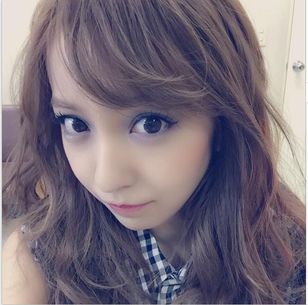 【VOGUE撮影】板野友美の衣装が可愛い
