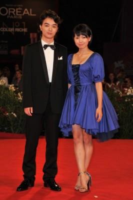 新婚の菊地凛子&染谷将太、夫婦でレッドカーペットに登場