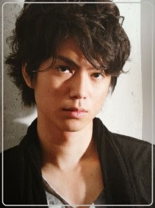 元AKB48川崎希、夫・アレクサンダー 妻の携帯から小嶋陽菜の連絡先を盗む