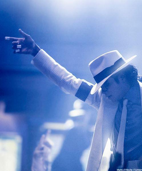 マイケル・ジャクソンがダンスで「斜めになっても転ばなかった理由」が判明!