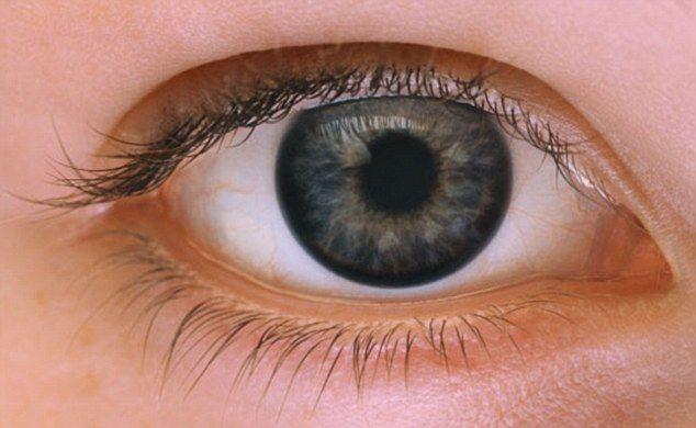 目が敏感な人のアイメイク