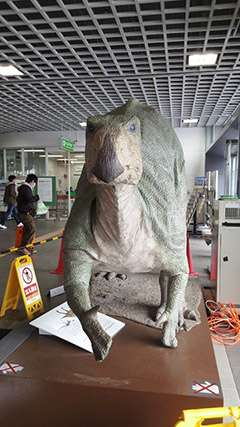 開発のベクトルが斜め上!福井駅がなぜか「ジュラシックパーク」になっているぞ