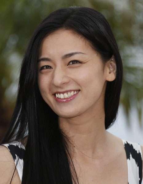 尾野真千子 EXILEの事務所勤務重役40代男性と結婚目前か