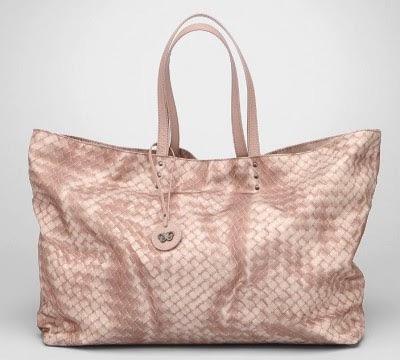 軽いバッグが好きな人!