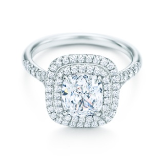 婚約指輪頂きましたか?